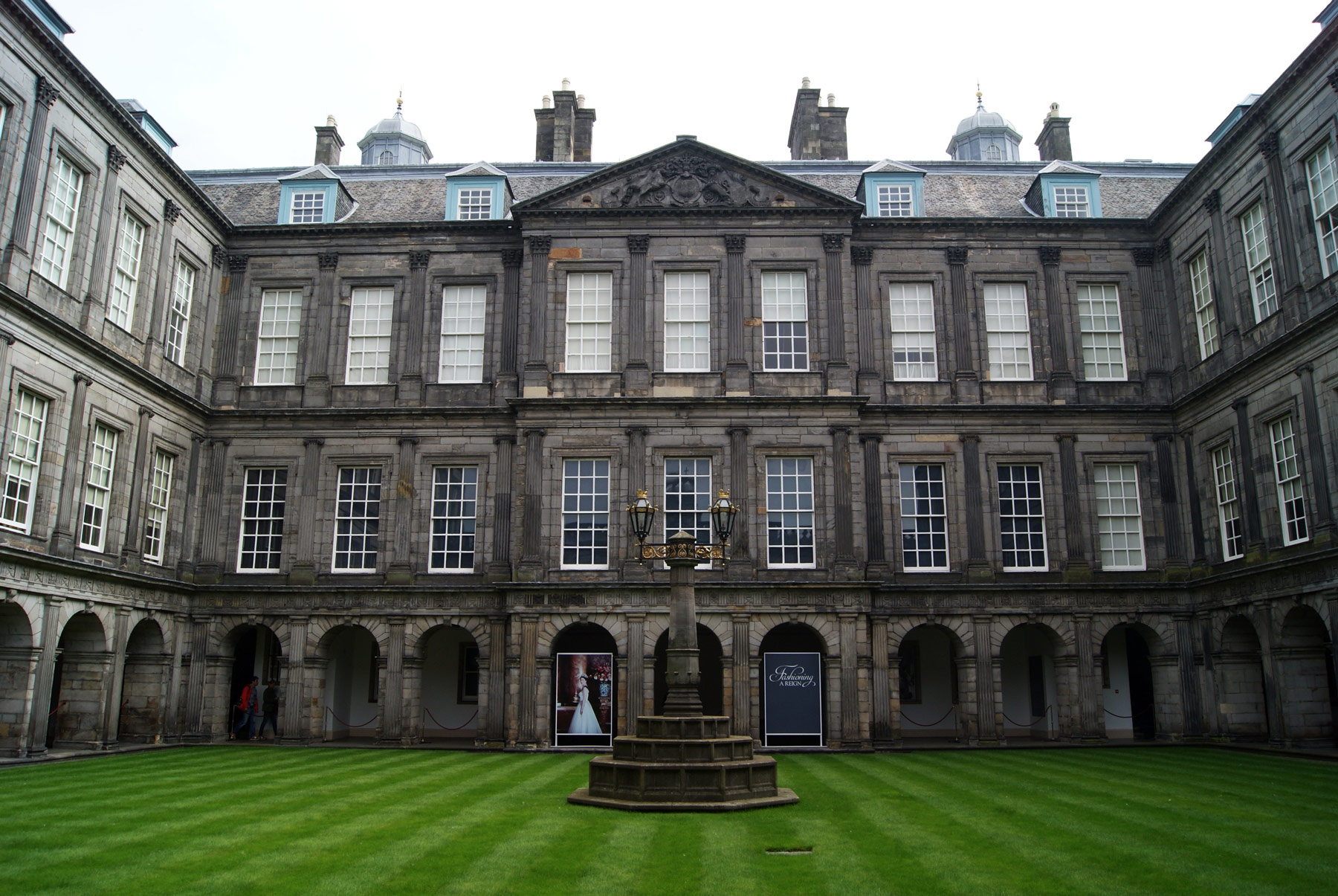 photo Ecosse Edimbourg ville Palace of Holyroodhouse palais